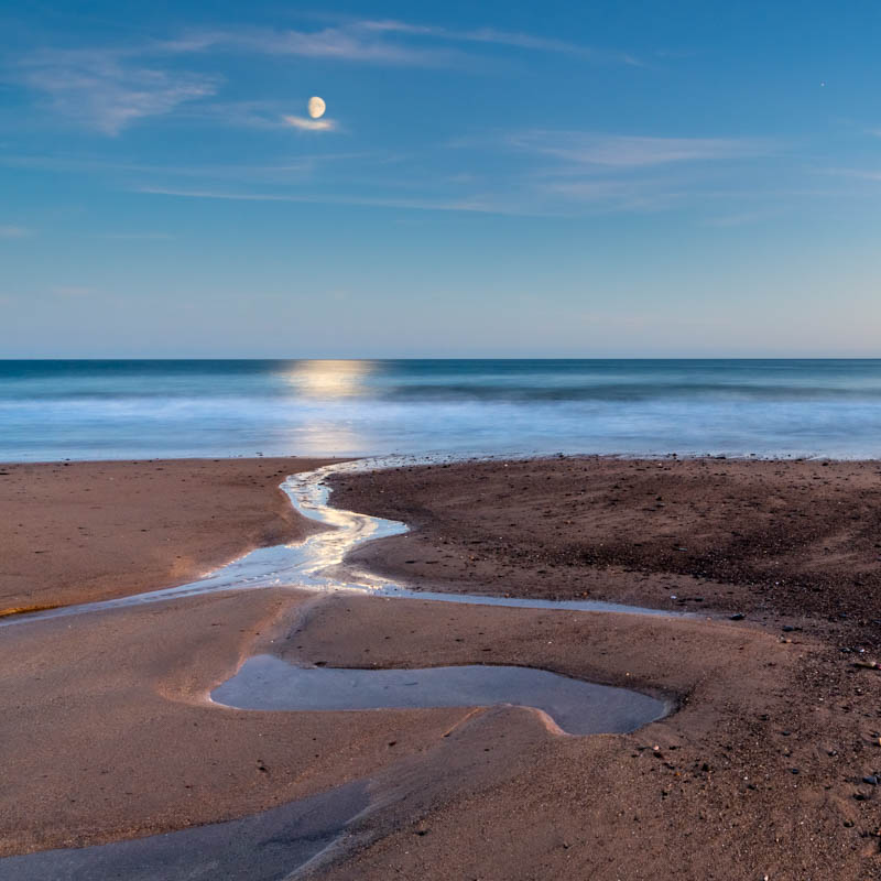 Pembrokeshire, Freshwater East Beach, moonrise 4296